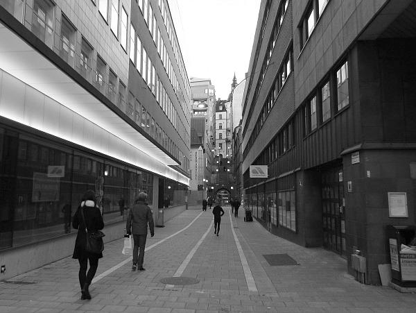 Tunnelgatan, waarlangs de dader verdween. Foto: Marc Pennartz